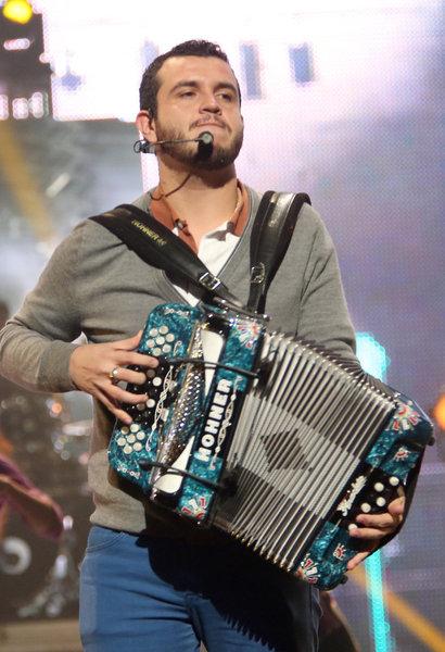 Eden Múñoz, Calibre 50