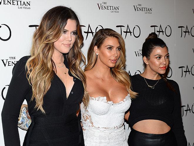 Khloé Kardashian, Kim Kardashian y Kourtney Kardashian, Míralos