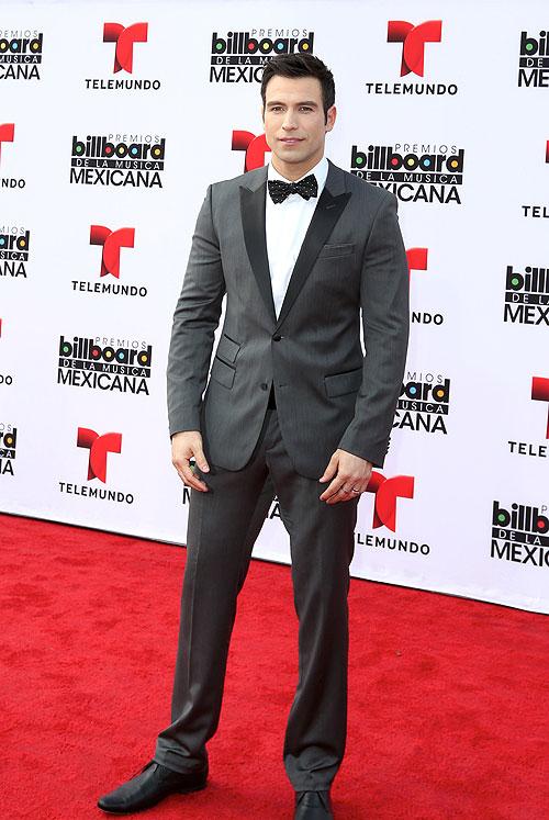 Rafael Amaya, Mexican Billboards 2013, Ellos