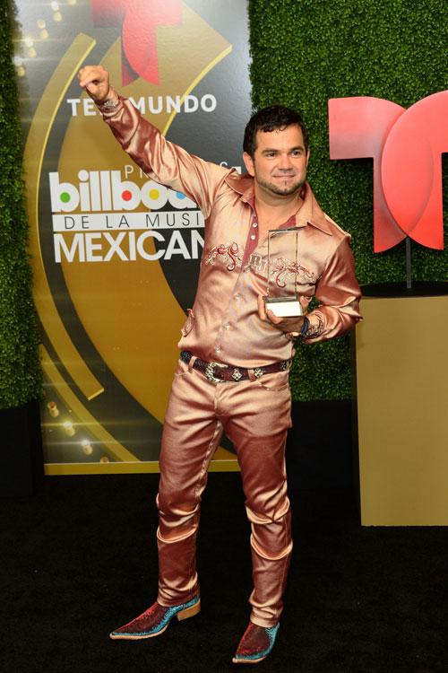 Roberto Junior, Mexican Billboard 2013, Ellos