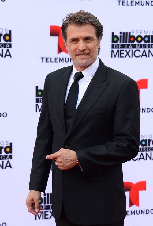 Juan Soler, Mexican Billboards 2013, Ellos