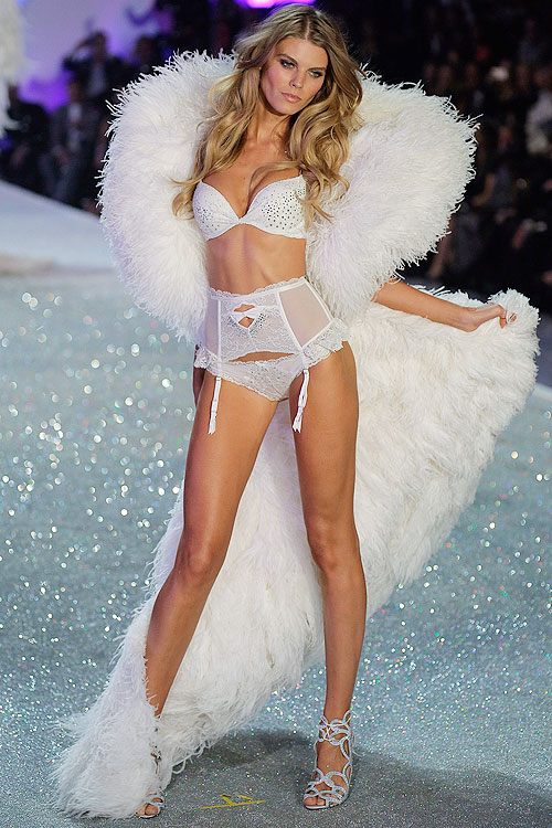 Maryna Linchuk, Victoria's Secret 2013