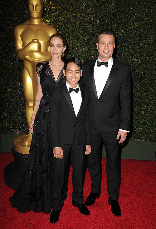 Angelina Jolie, Brad Pitt, Maddox Jolie-Pitt, Míralos