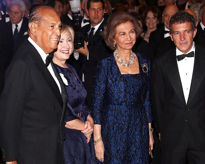 Oscar de la Renta, Hilary Clinton, la Reina Sofia de España, Antonio Banderas, Míralos