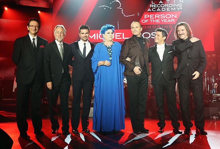 Latin Grammy 2013, Homenaje a Miguel Bosé, Persona del Año, Alejandro Sanz, Miguel Bosé, Juanes, Lucía Bosé