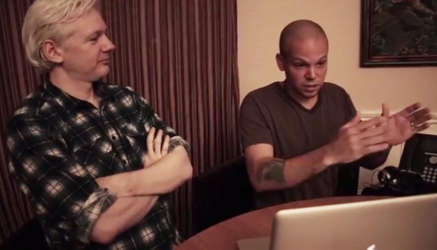 Julian Assange, René Pérez, Calle 13, WikiLeaks, Multi Viral