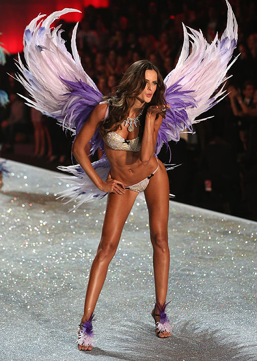 Izabel Goulart, Victoria's Secret 2013