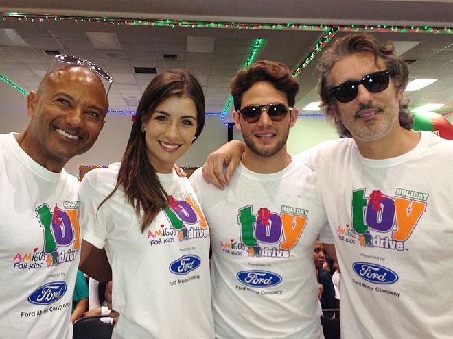 Pedro Telémaco, Natasha Domínguez, Gabriel Coronel, Miguel Varoni, Míralos