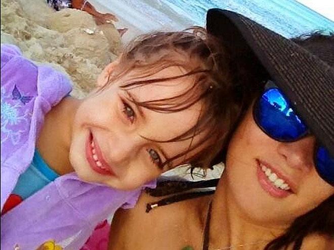 Mónica Spear y Maya