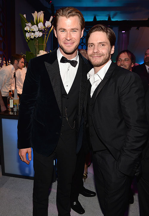 Globos de Oro 2014 fiesta después, Chris Hemsworth, Daniel Brühl