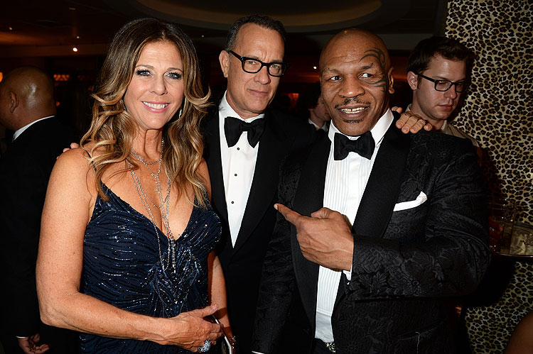 Globos de Oro 2014, fiesta después, Tom Hanks, Rita Wilson, Mike Tyson