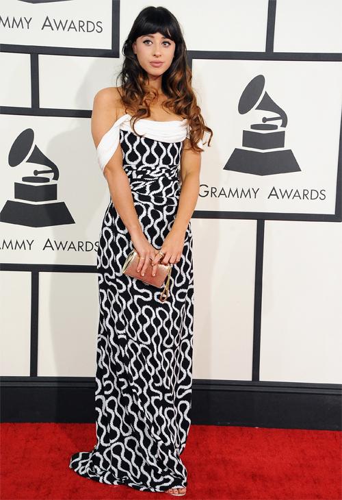 Premios Grammy Ellas 2014, FOXES