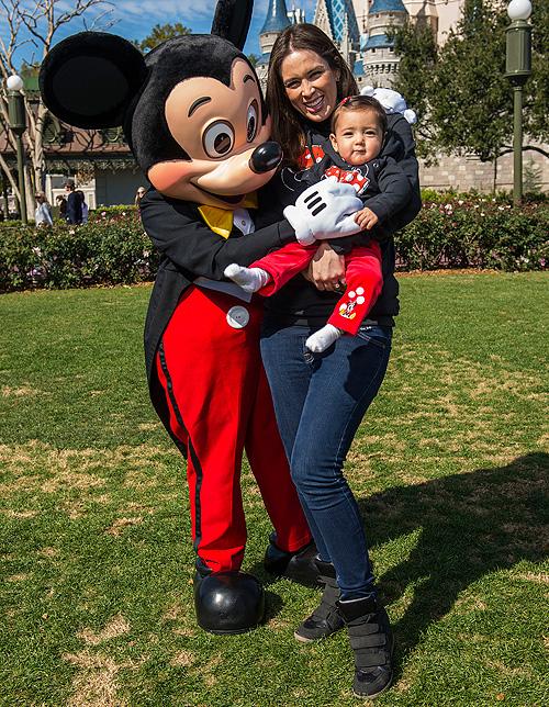 Jacqueline Bracamontes, Mini Jacky, Mickey, Disneylandia