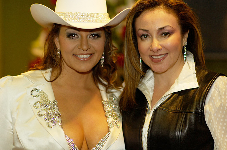 Jenni Rivera, Laura Lucio