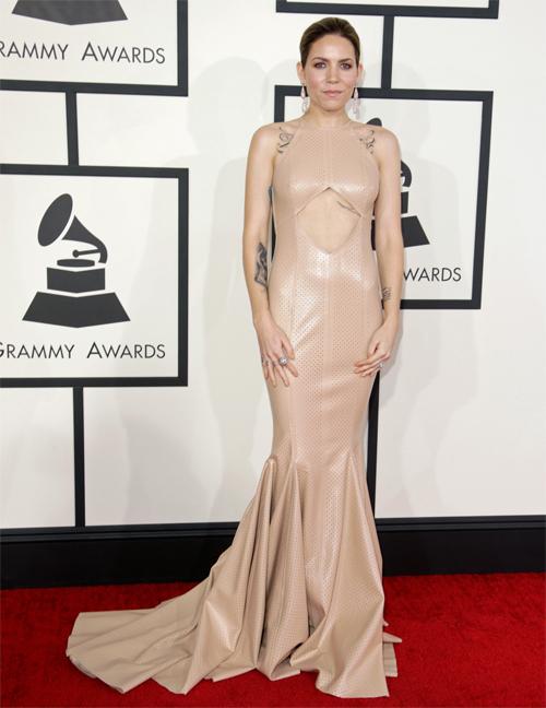 Premios Grammy 2014 Ellas, Skylar Grey