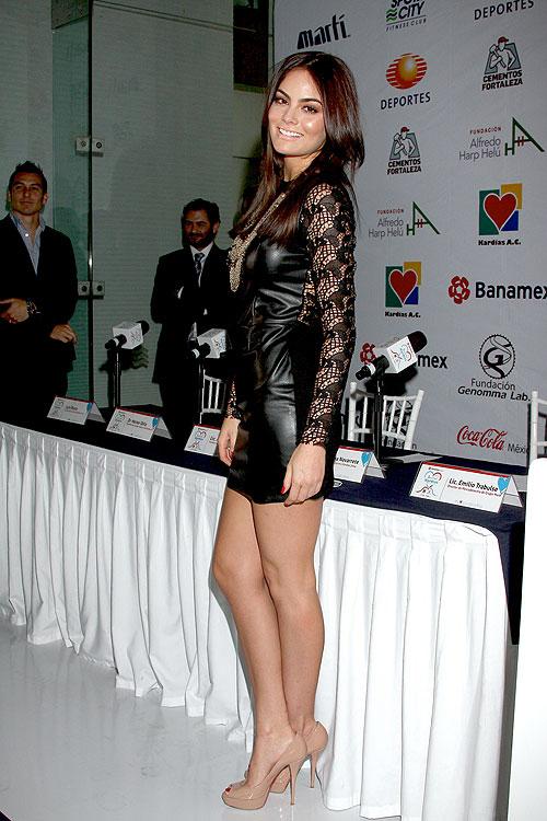 Ximena Navarrete, Míralos