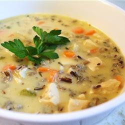 Sopa de pollo con arroz salvaje y crema