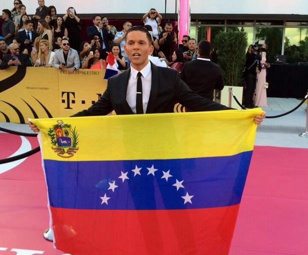 Rodner Figueroa, Premio Lo Nuestro 2014, Redes
