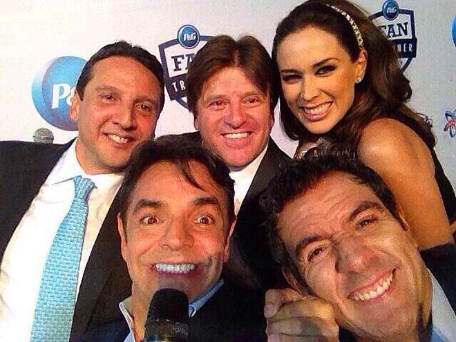 Eugenio Derbez, Jacky Bracamontes, selfie