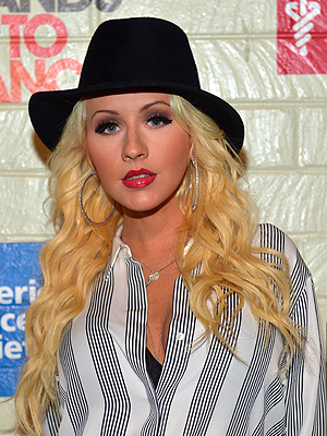 CHRISTINA AGUILERA ARTICLE