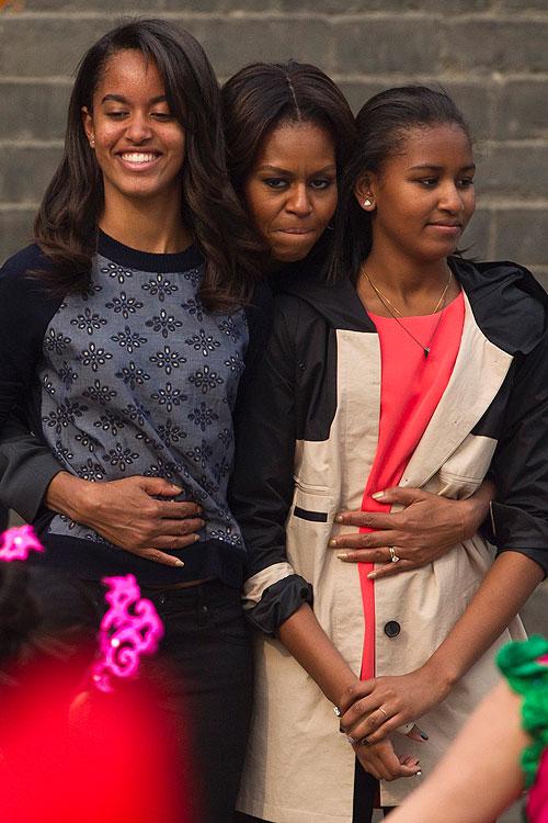 Michelle Obama, Malia, Sasha, Míralos
