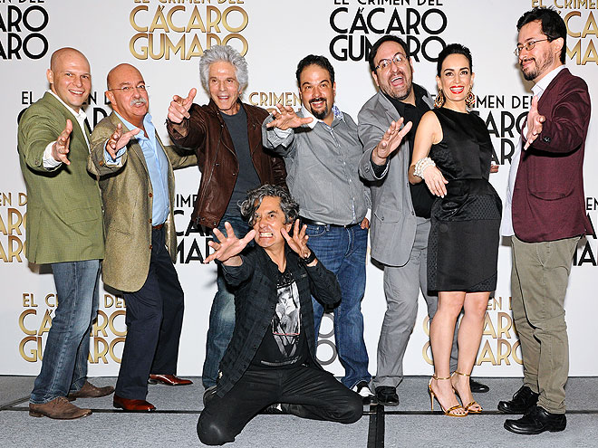 Andrés Bustamante, Jorge Rivero, Carlos Corona, Ana de la Reguera, Alejandro Calva, Armando Vega-Gil, Emilio Portes, Míralos
