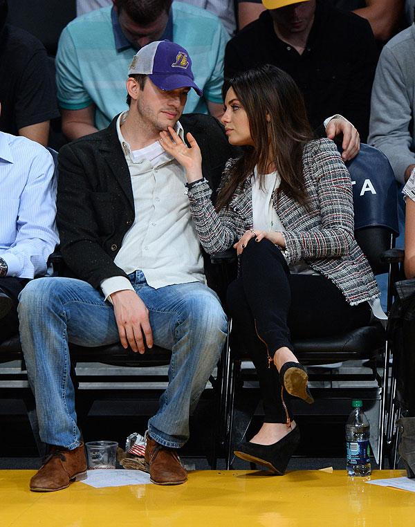 Ashton Kutcher, Mila Kunis, Míralos