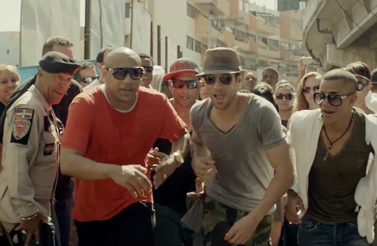Enrique Iglesias, Descemer Bueno, Gente de Zona, video, Bailando
