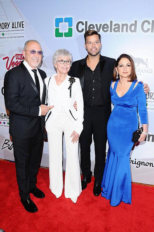 Ricky Martin, Rita Moreno, Gloria Estefan , Emilio Estefan, Míralos