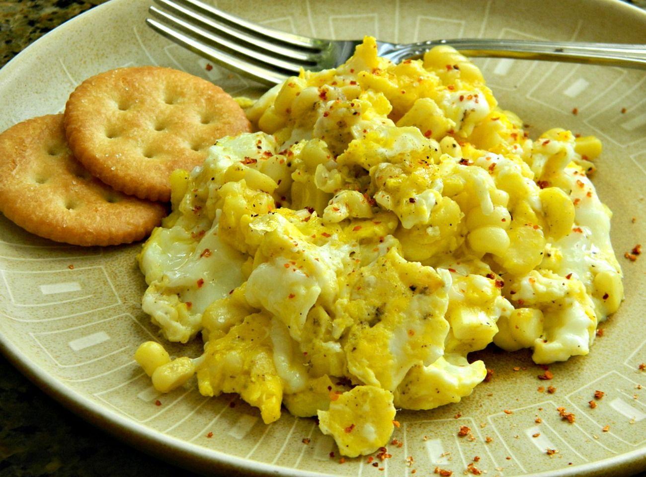 Huevos revueltos con elote