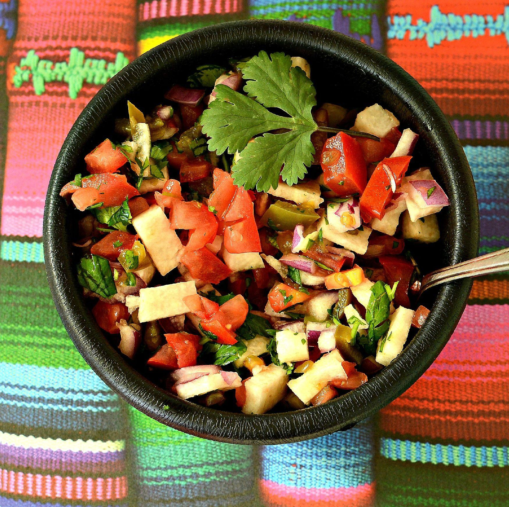 Salsa de jícama y jitomate