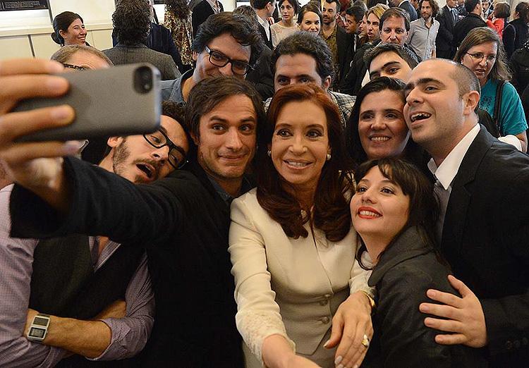 Gael García Bernal, Cristina Kirchner, selfie
