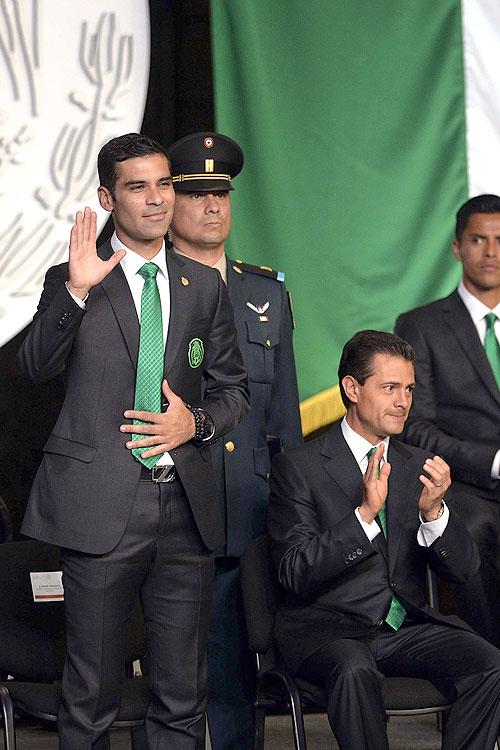 Rafa Márquez, Enrique Peña Nieto, Míralos