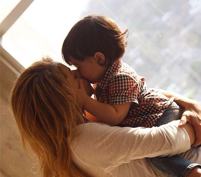 Shakira, Milan, Día de la madre, 2014