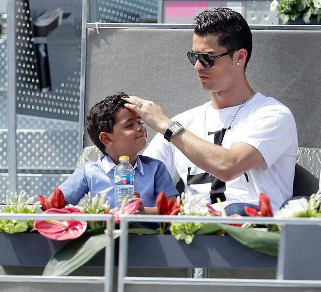 Cristiano Ronaldo, Cristiano Jr., Míralos