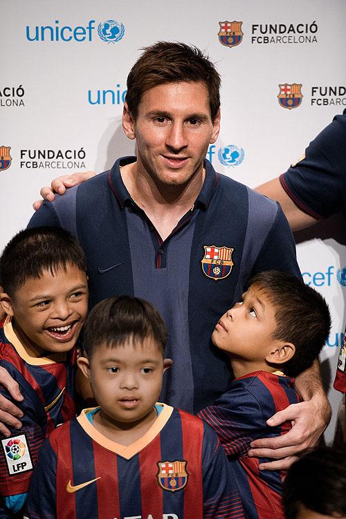 LEO MESSI, futbolistas solidarios
