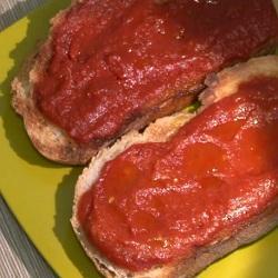 Pan con jitomate estilo catalán