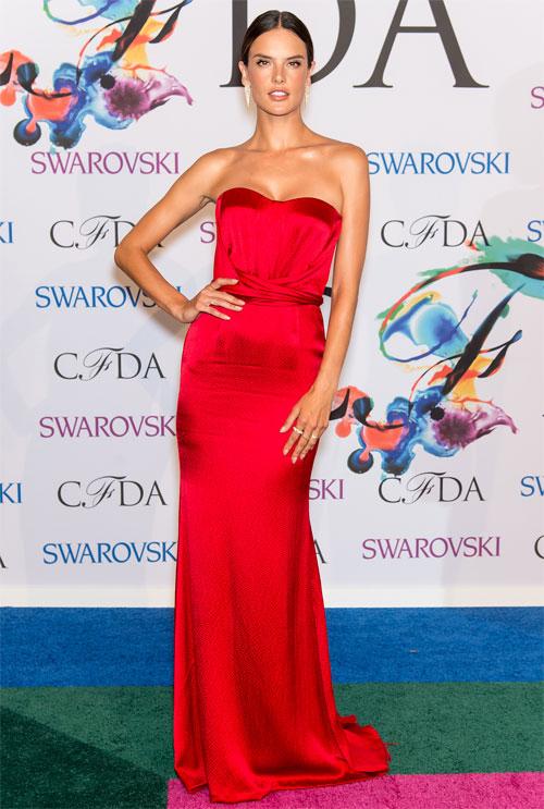 ALESSANDRA AMBROSIO, Premios CFDA de la moda