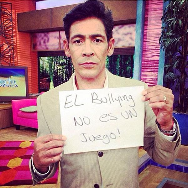 Johnny Lozada, bullying