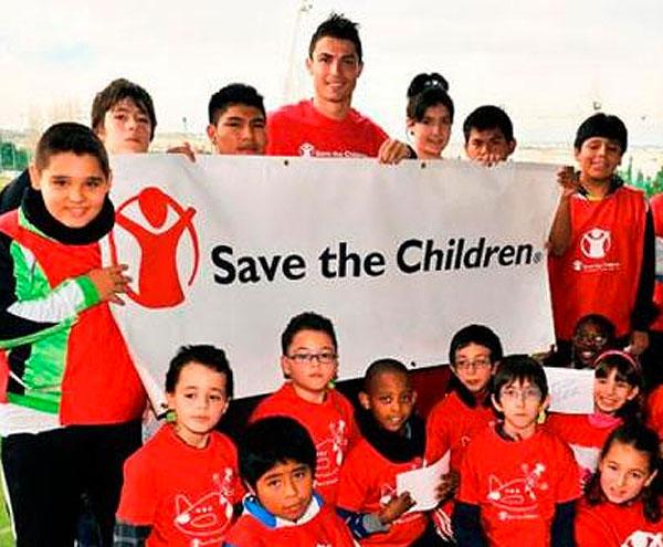 CRISTIANO RONALDO, futbolistas solidarios