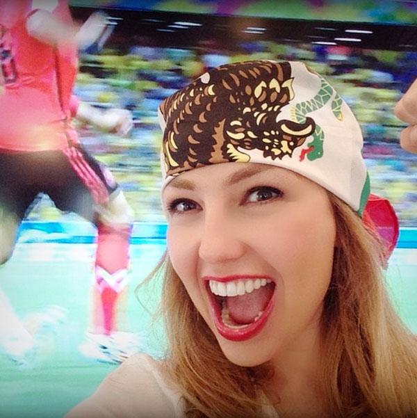 Thalía, Famosos con el Mundial