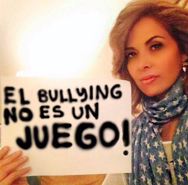 Gloria Trevi, bullying