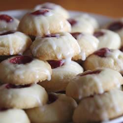 Galletas de almendra rellenas de mermelada