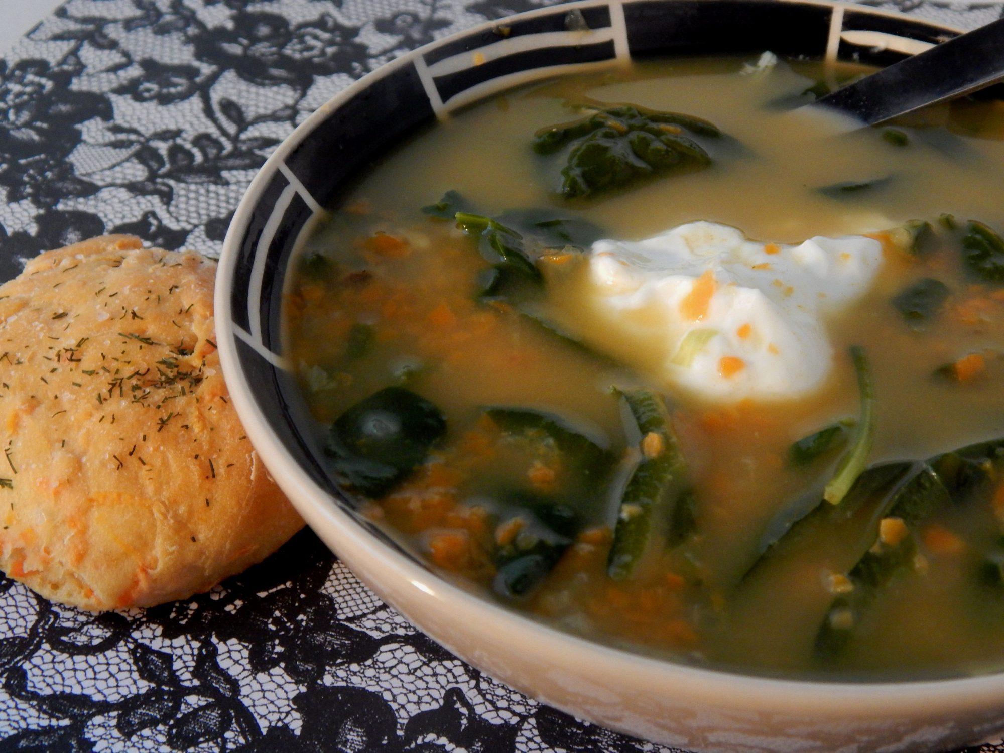 Sopa de espinacas y requesón