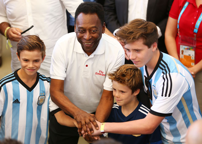Pelé, Romeo, Cruz y Brooklyn Beckham