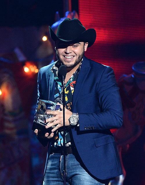 Gerardo Ortiz, Premios Juventud