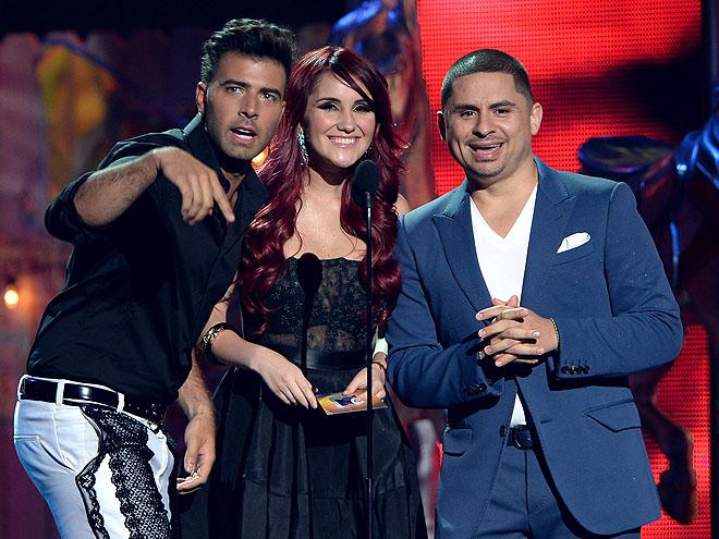Jencarlos Canela, Dulce María, Larry Hernández, Premios Juventud