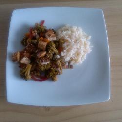 Tofu con vegetales