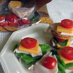Lunch de galletas con jamón y queso