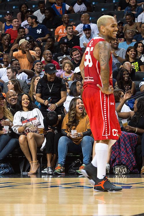 Rihanna, Chris Brown, Míralos